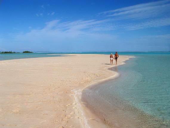 Pink-Sand-Beach-in-Harbour-Island-Bahamas-_22