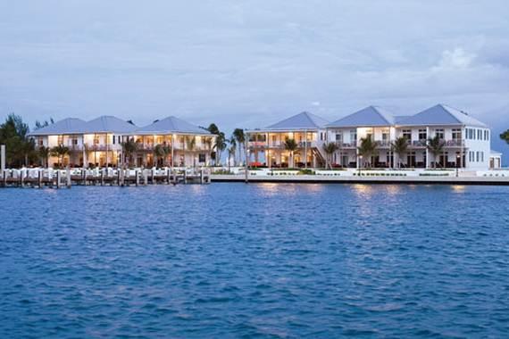 Pink-Sand-Beach-in-Harbour-Island-Bahamas-_31