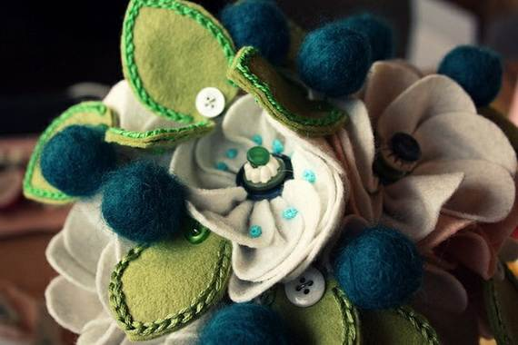 Homemade-Mothers-Day-Ideas-Spring-felt-craft-flower-_13