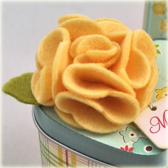 Homemade-Mothers-Day-Ideas-Spring-felt-craft-flower-_22