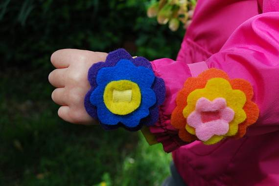 Homemade-Mothers-Day-Ideas-Spring-felt-craft-flower-_32