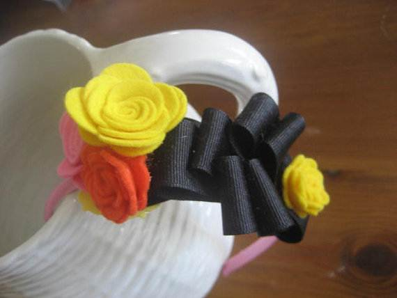 Homemade-Mothers-Day-Ideas-Spring-felt-craft-flower-_73