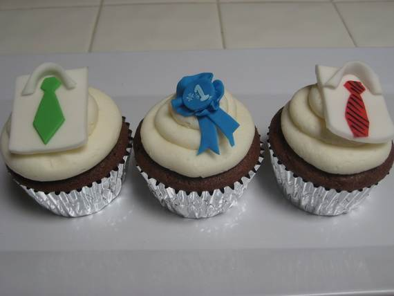 D-sitesHOLIDAYSfather-daycup-cakeCupcake-Decorating-Ideas-On-Fathers-Day-_07