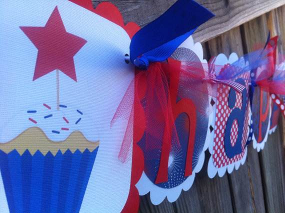 4th-of-July-Cupcakes-Decorating-Ideas-and-Cupcake-Wrappers_32