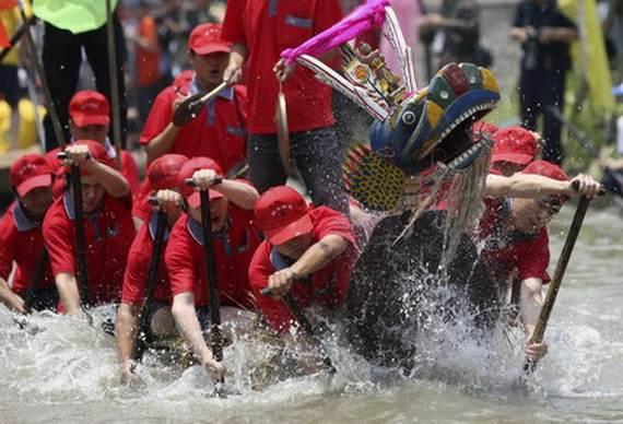 Chinese-Dragon-Boat-Festival-Duanwu-Jie-Origin-History-China-Festival_16