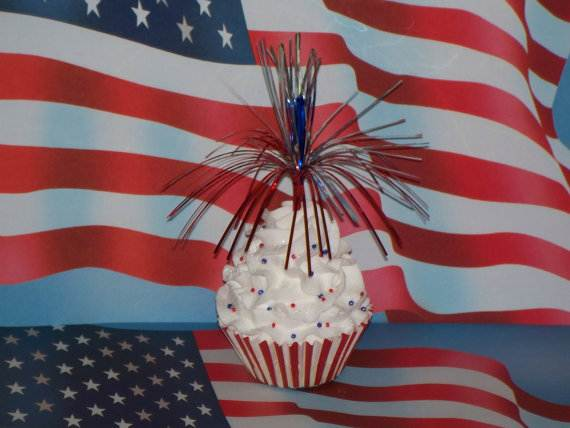 Independence-Day-Cupcake-Patriotic-Theme-Ideas (11)
