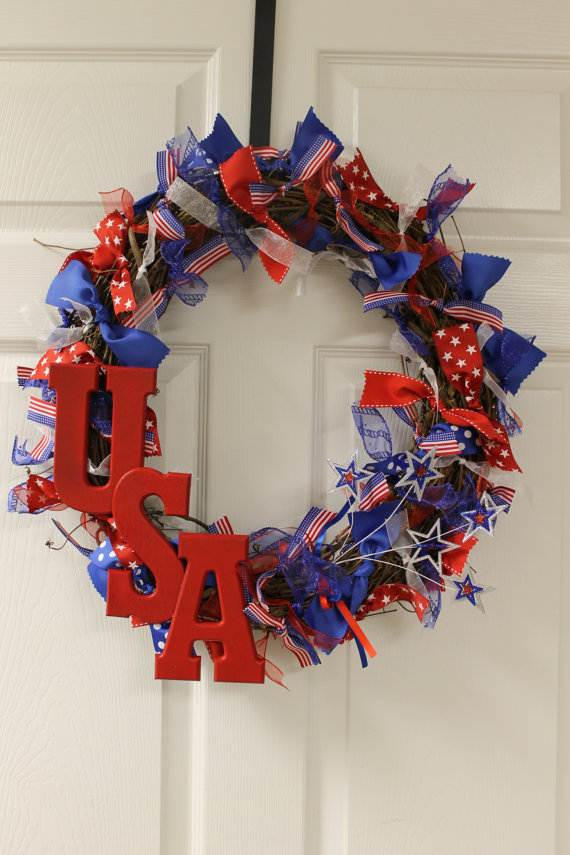 Cool-wreaths-for-Memorial-or-Labor-Day-_13