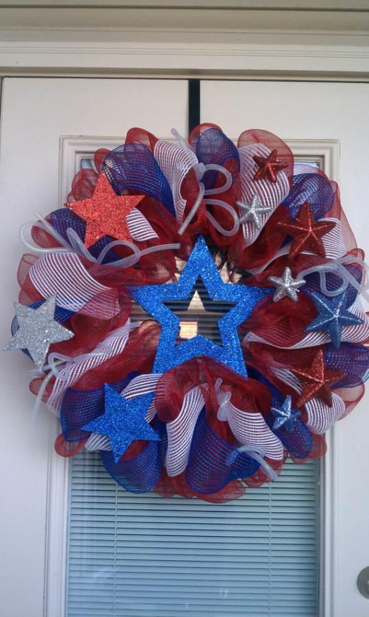 Cool-wreaths-for-Memorial-or-Labor-Day-_15