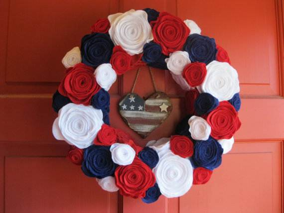 Cool-wreaths-for-Memorial-or-Labor-Day-_35