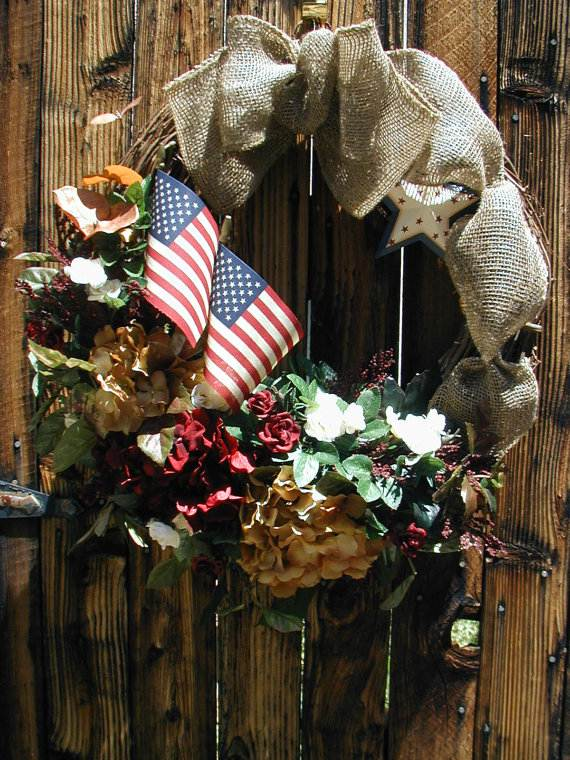 Cool-wreaths-for-Memorial-or-Labor-Day-_41