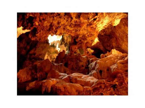 Hato_-Caves-Curacao-_Attractions__01_c8e5584bd2cd27ab8eb6bdde521252ff