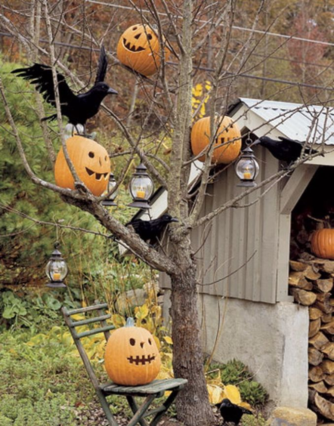 Cool-Outdoor-Halloween-Decorations-2012-Ideas_101