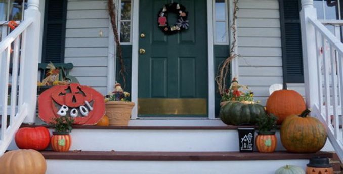 Cool-Outdoor-Halloween-Decorations-2012-Ideas_121