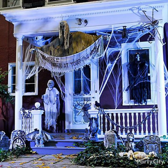 Cool-Outdoor-Halloween-Decorations-2012-Ideas_141