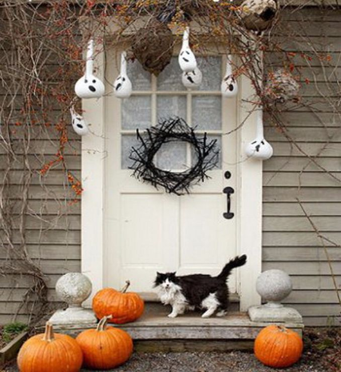 Cool-Outdoor-Halloween-Decorations-2012-Ideas_171