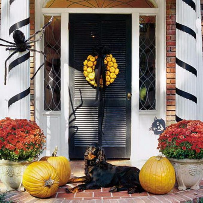 Cool-Outdoor-Halloween-Decorations-2012-Ideas_381