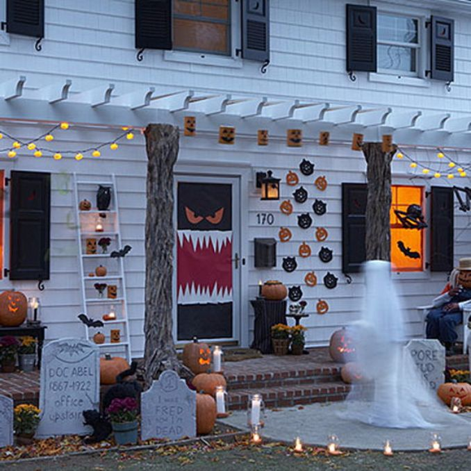 Cool-Outdoor-Halloween-Decorations-2012-Ideas_411