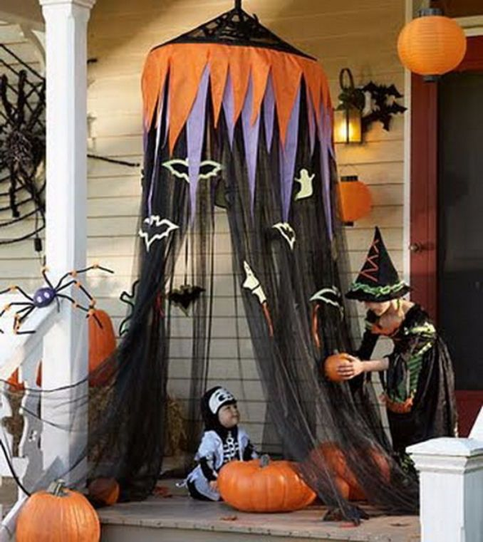 Cool-Outdoor-Halloween-Decorations-2012-Ideas_431