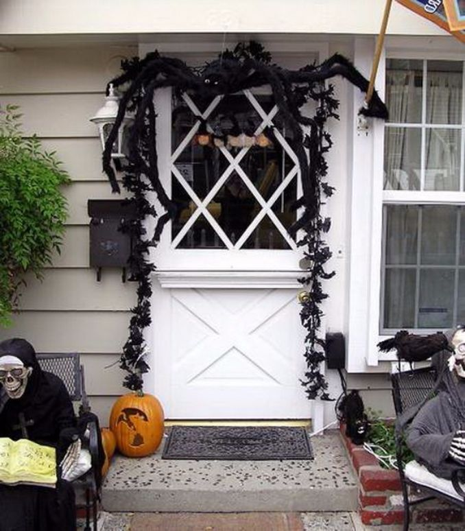 Cool-Outdoor-Halloween-Decorations-2012-Ideas_501