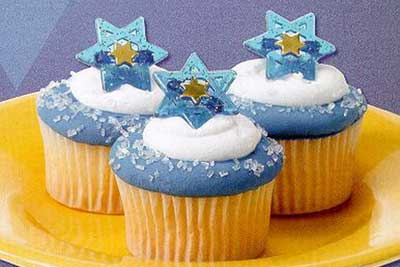 Hanukkah and Jewish Edible Cupcake Decorating Ideas - family holiday.net/guide to family holidays on the internet & Hanukkah and Jewish Edible Cupcake Decorating Ideas - family holiday ...