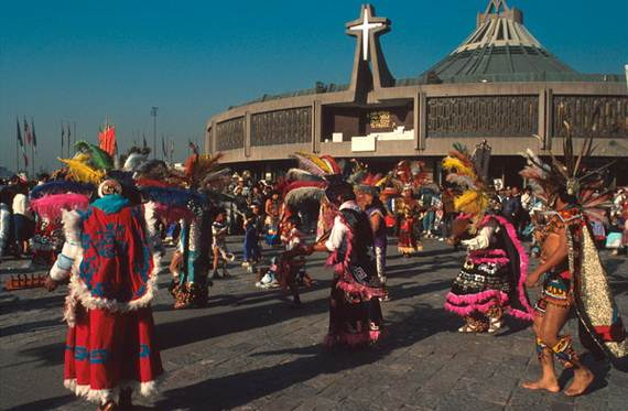 Feast-Day-of-the-Virgin-of-Guadalupe-Mexico-City_01