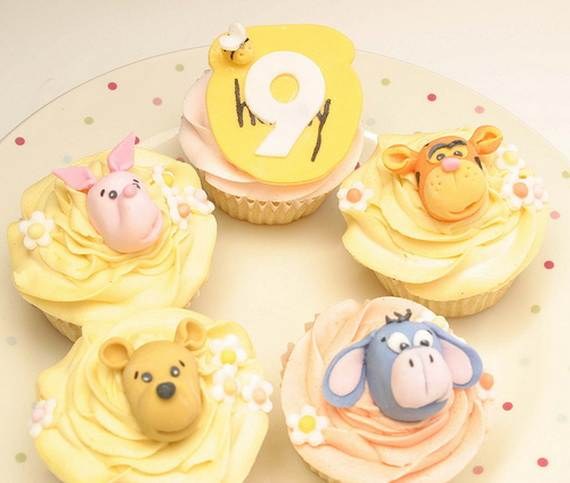 Winnie-the-Pooh-Cake-and-Cupcakes-Decorating-Ideas_06