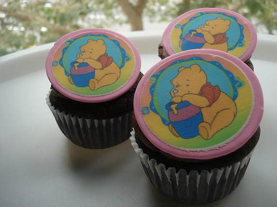 Winnie-the-Pooh-Cake-and-Cupcakes-Decorating-Ideas_15