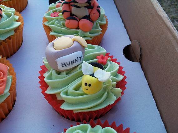 Winnie-the-Pooh-Cake-and-Cupcakes-Decorating-Ideas_20