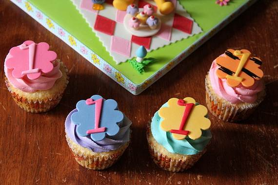 Winnie-the-Pooh-Cake-and-Cupcakes-Decorating-Ideas_23