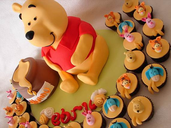 Winnie-the-Pooh-Cake-and-Cupcakes-Decorating-Ideas_26