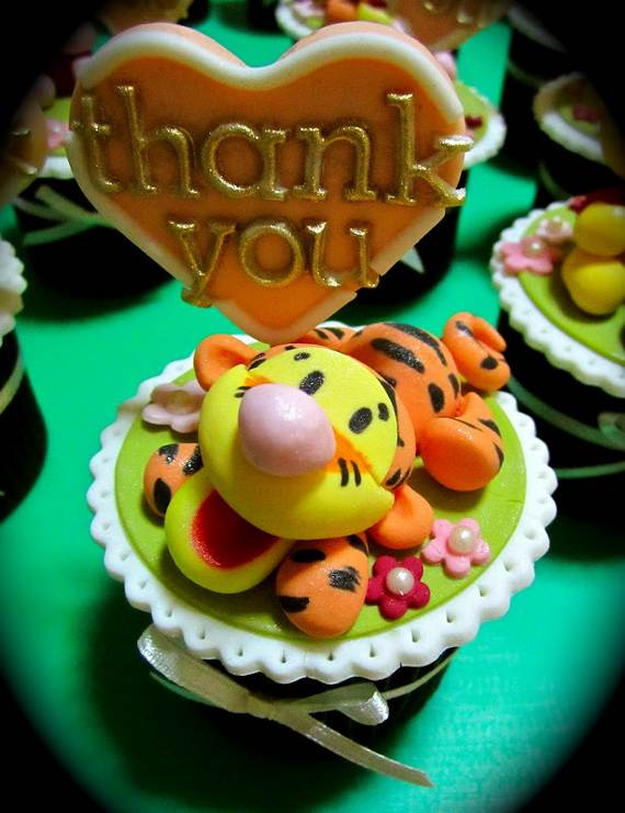 Winnie-the-Pooh-Cake-and-Cupcakes-Decorating-Ideas_38