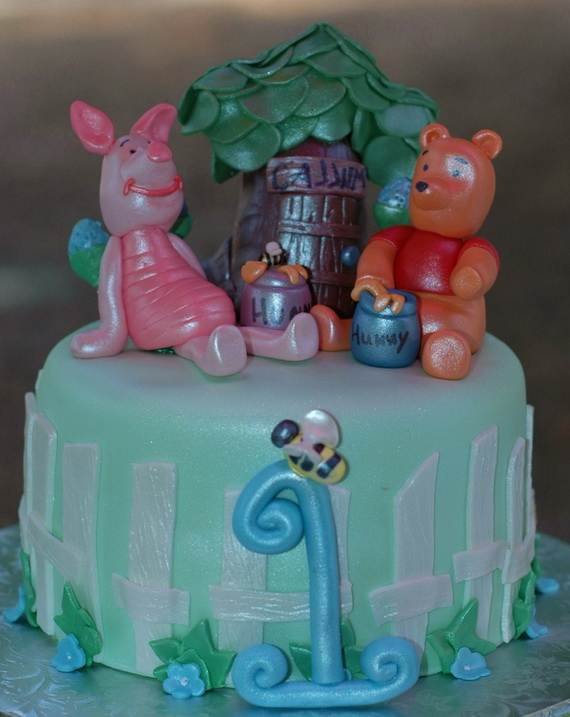Winnie-the-Pooh-Cake-and-Cupcakes-Decorating-Ideas_48