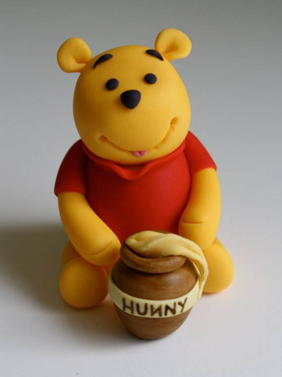 Winnie-the-Pooh-Cake-and-Cupcakes-Decorating-Ideas_71