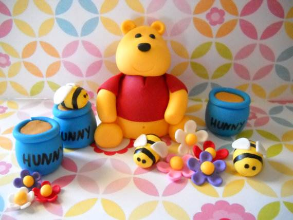 Winnie-the-Pooh-Cake-and-Cupcakes-Decorating-Ideas_74