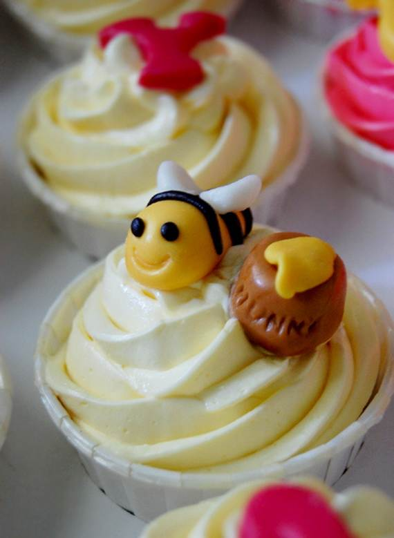 Winnie-the-Pooh-Cake-and-Cupcakes-Decorating-Ideas_80