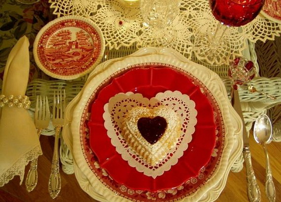 Amazing- &-Easy- Homemade- Valentine's- Day -Centerpieces- Ideas _74