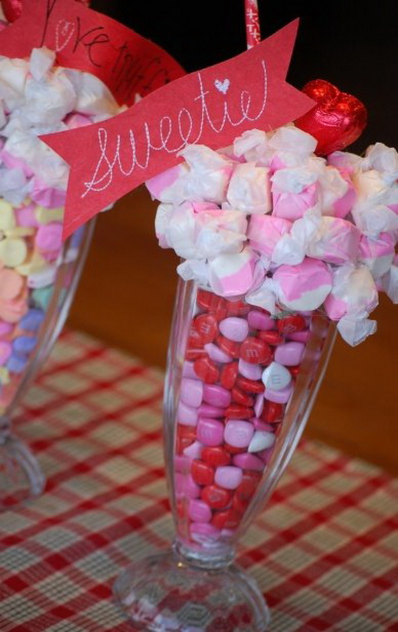 Amazing- &-Easy- Homemade- Valentine's- Day -Centerpieces- Ideas _79