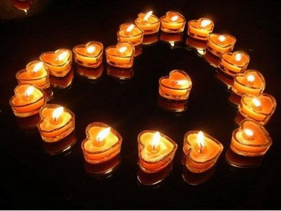 Beautiful- and -Romantic- Candle - Decorations- for- Valentine's- Day_34