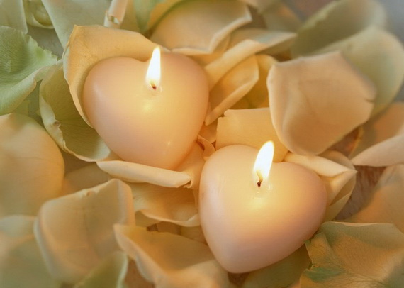 Beautiful- and -Romantic- Candle - Decorations- for- Valentine's- Day_47
