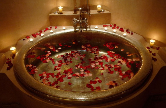 Great- Sexy -Valentine's- Day- Bathroom- Decorating- Ideas _09