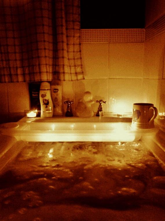 Great- Sexy -Valentine's- Day- Bathroom- Decorating- Ideas _24
