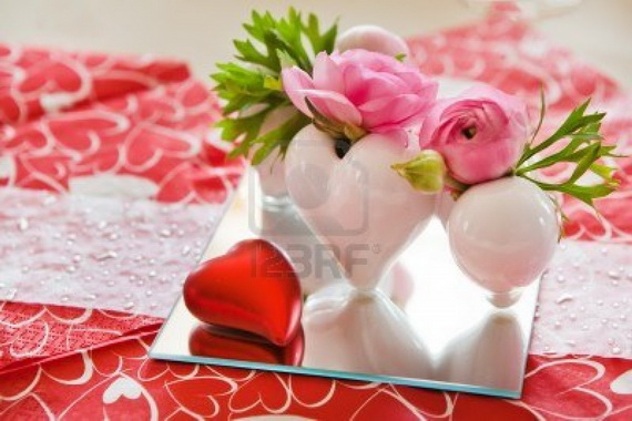 Romantic Table- Decorating- Ideas- for- Valentine's- Day-_49