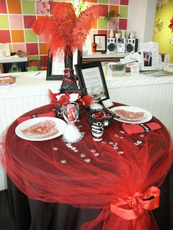 60-Cool -and -Beautiful- Valentine- Table -Decorating- Ideas _08