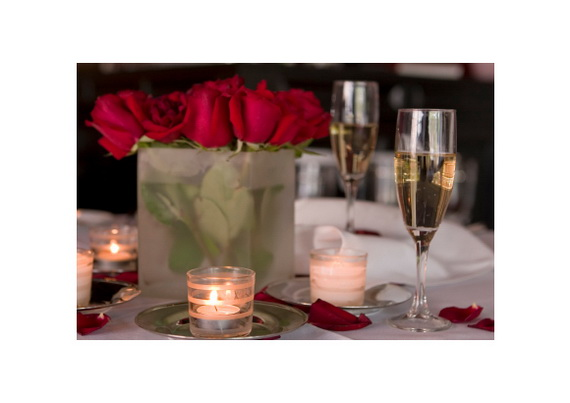 60-Cool -and -Beautiful- Valentine- Table -Decorating- Ideas _31