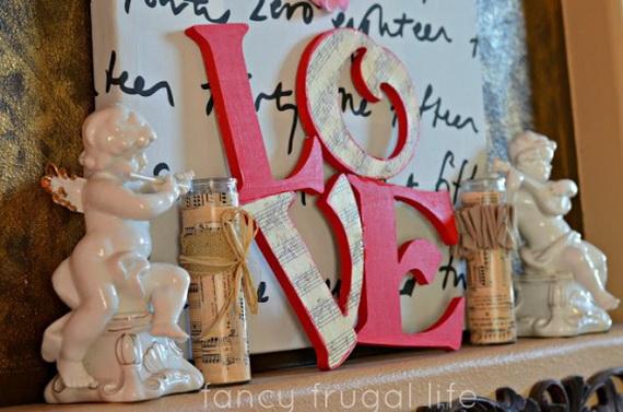 65 -Gorgeous- Valentine's- Day- Mantel- Décor- Ideas_22