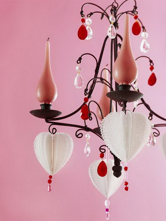 Handcrafted- Valentine's- Day- Decorations_08