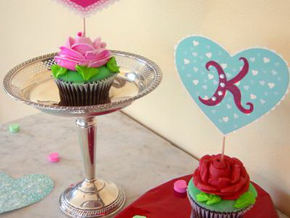 Handcrafted- Valentine's- Day- Decorations_21