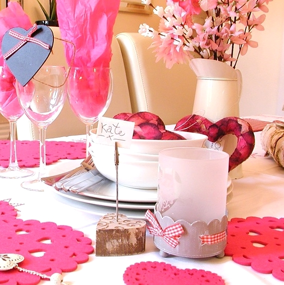 Romantic- Valentine's Day- Table -Setting -ideas_033