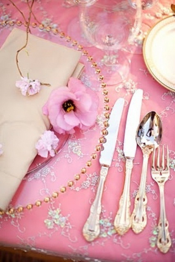Romantic- Valentine's Day- Table -Setting -ideas_061