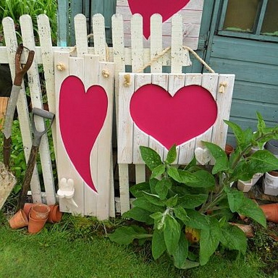 Valentine's- Outdoor-Decoration- Ideas_11